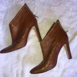 Manolo Blahnik Size 7 Heel Booties